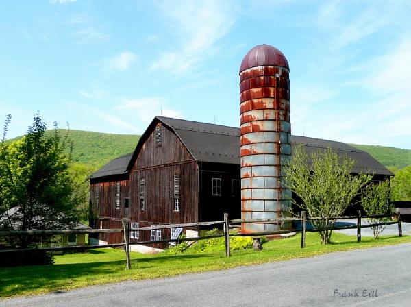 Pennsylvania Barn by madeinbrooklyn