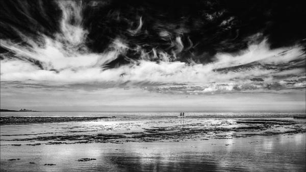 Nortumbrian Shoreline. by mickmarra