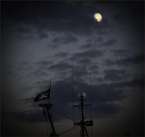 Pirates Moon by Daisymaye