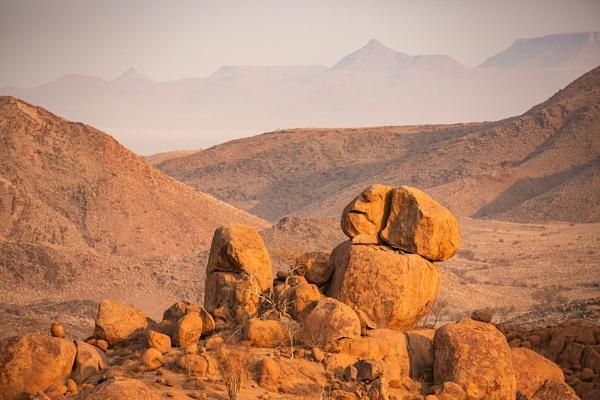 Damaraland Namibia, by rontear