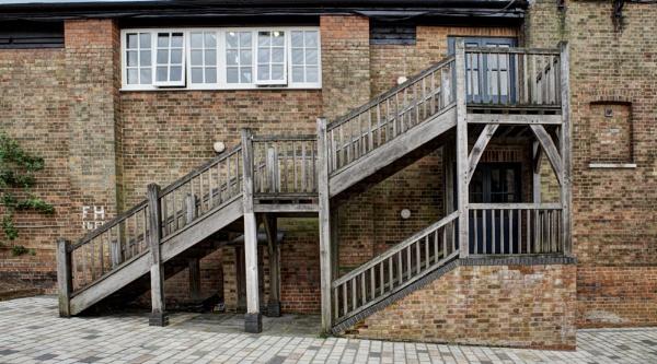 Outside Steps by nclark