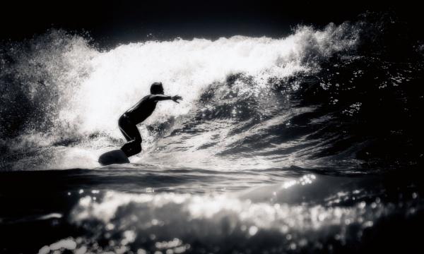 Surfer by bobbyl