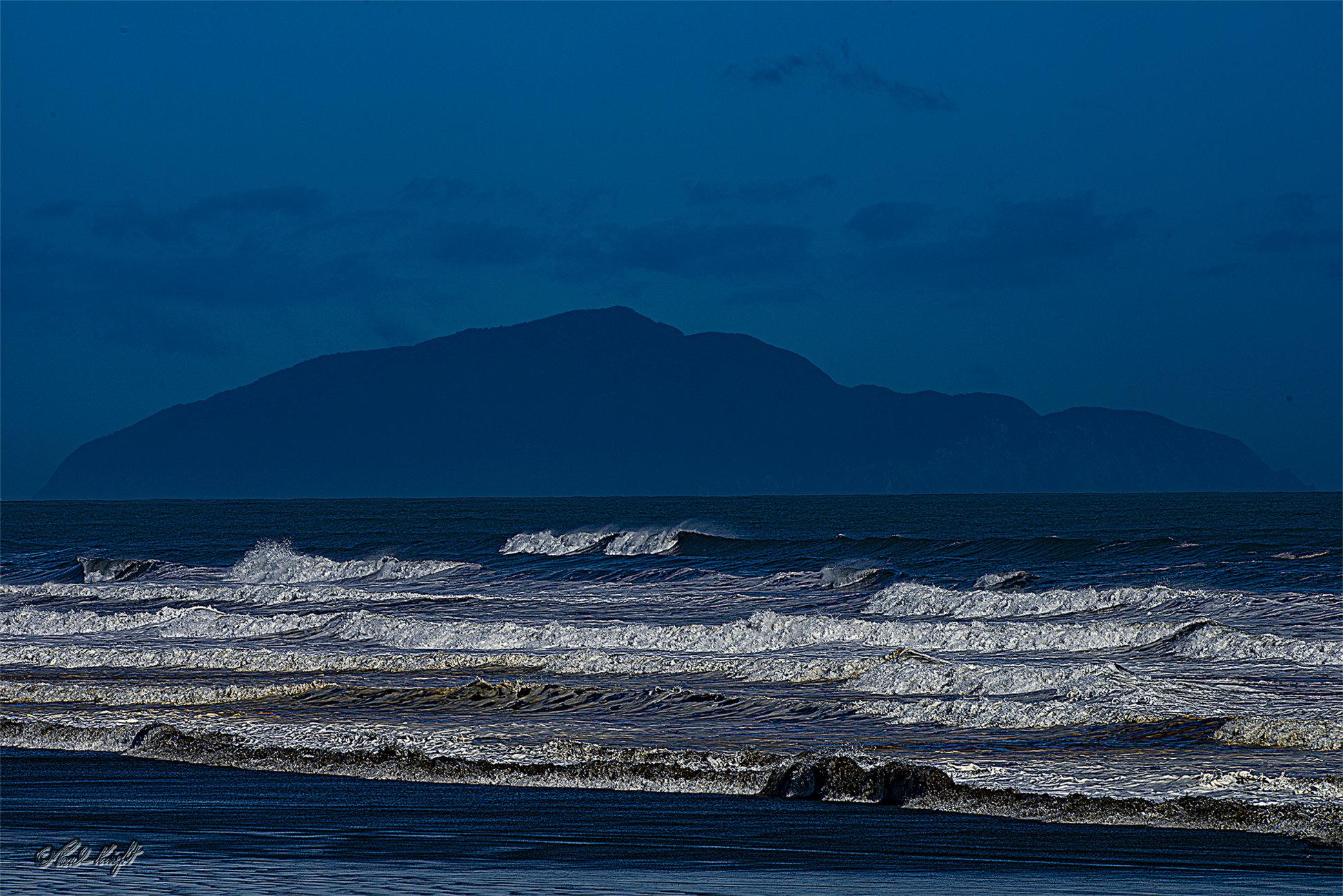 Kapiti Island from Kuku Beach.1448-1