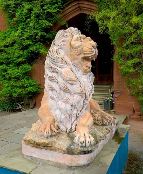 Stone Lion by ddolfelin