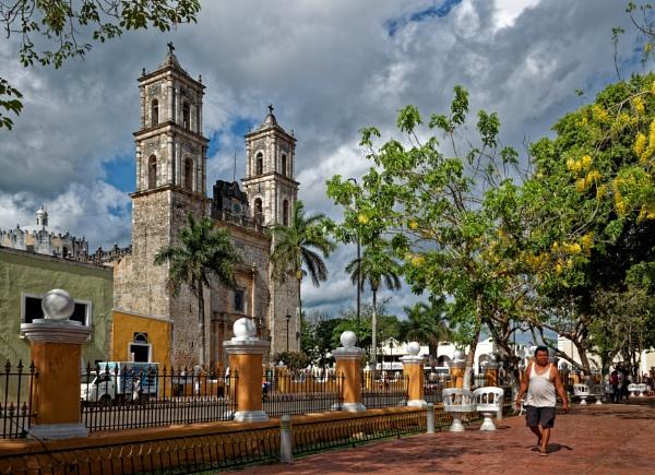 Mexico street scene at Valladolid by pdunstan_Greymoon
