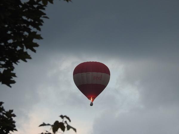 Sad Balloon by DaveHoskins