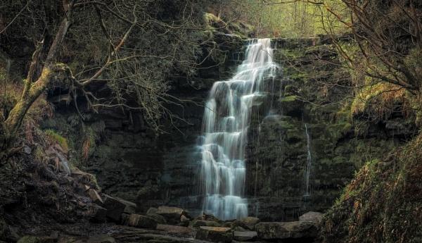 Peak Falls by JelFish
