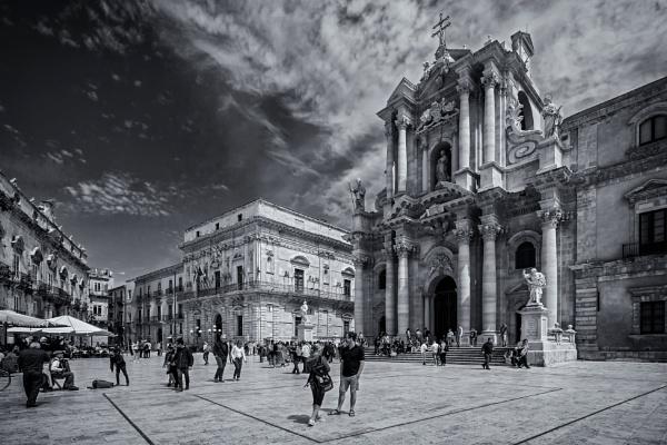 Piazza del Duomo by Xandru