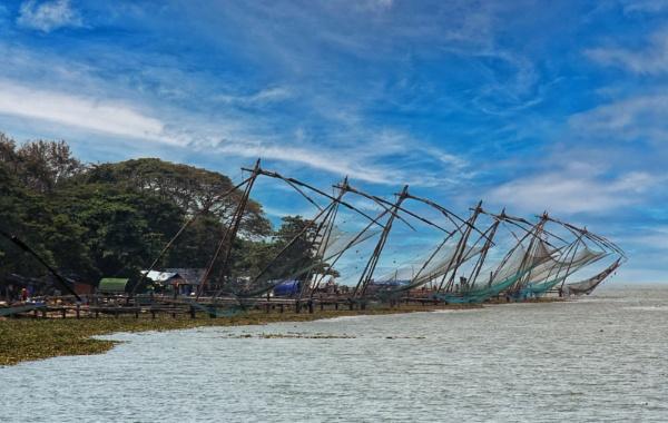 Cochin fishing nets by Ffynnoncadno