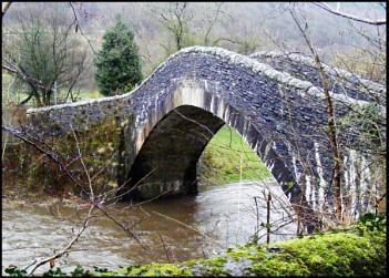 Pontygwaith 'Humpty' Bridge i