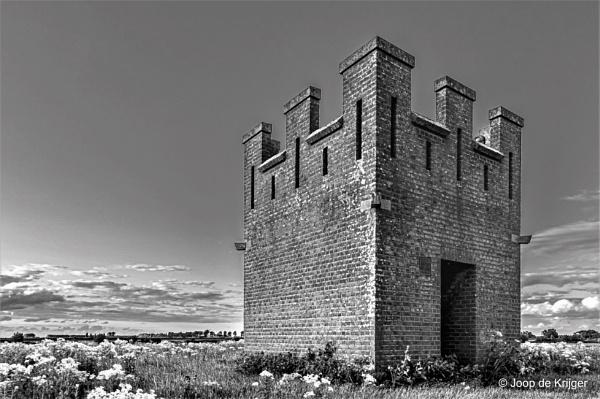 Poor man\'s castle by joop_
