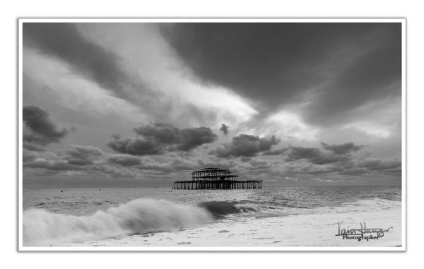 Stormy Brighton sea and sky by IainHamer