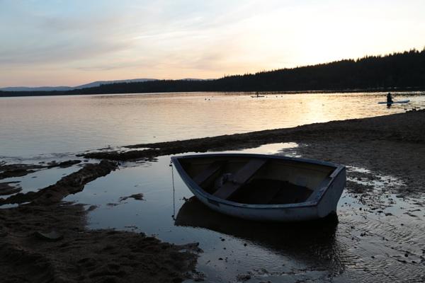 Loch Morlich. by shishidog