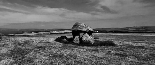 Carreg Samson, Abercastle,  Pembrokeshire by woodini254