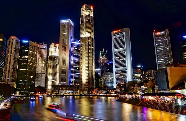 Singapore River.....night extravaganza by sawsengee