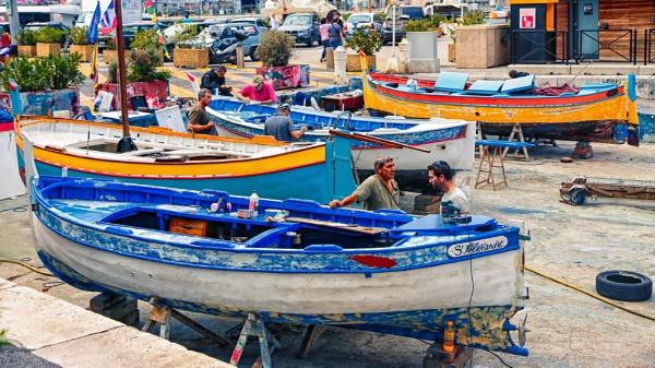Repairing the fishing fleet by Ffynnoncadno