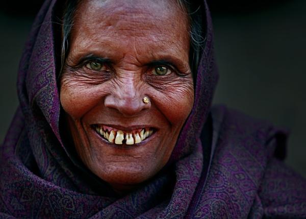 still i am beautiful.. by Shibram