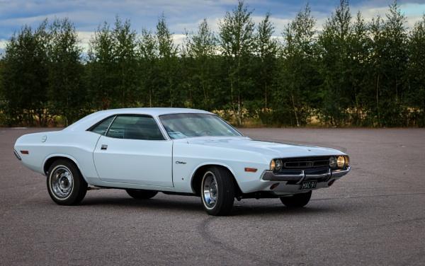 Dodge Challenger by Jukka