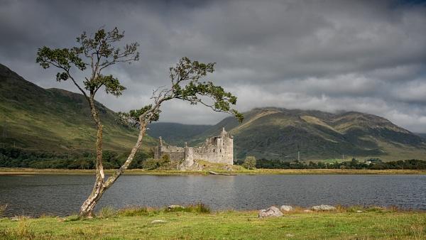 Kilchurn Castle by Leedslass1