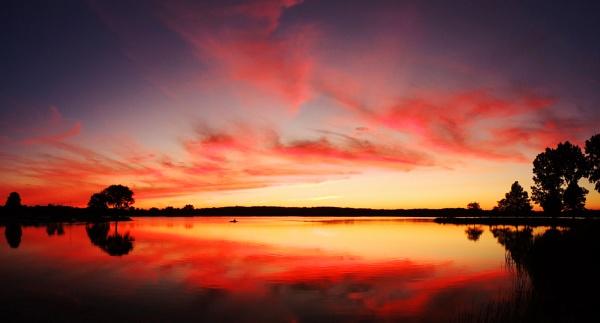 Grand Scarlet Panorama by jrsundown