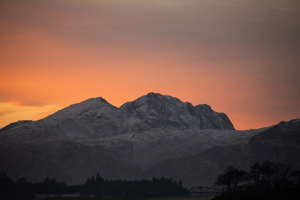 Scottish Dawn by rontear