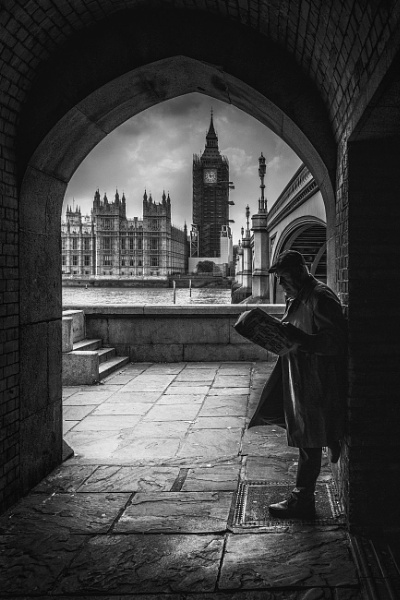 LURKING IN THE SHADOWS OF LONDON by gentry3951