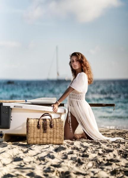 Beach picnic by marksilvester