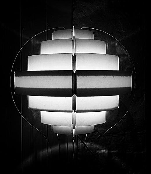 Anthony; switch that light OFF ! by ZenTony