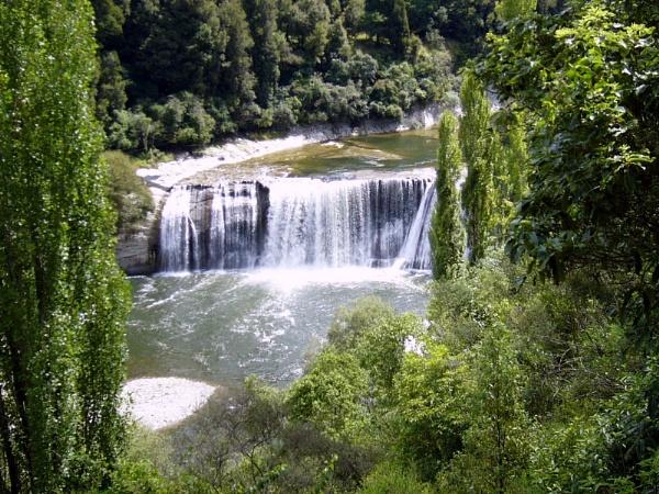 Para Para Falls.  New Zealand by Don20