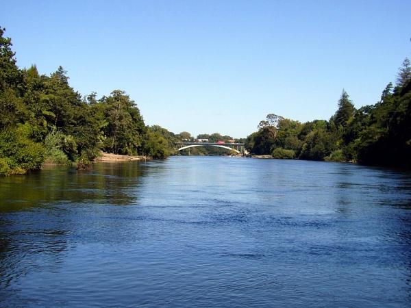 Waikato River, Hamilton, New Zealand by Don20