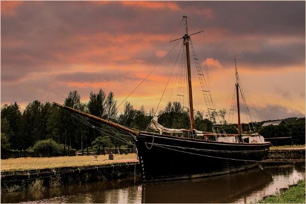 "Tamar Sailing  Boat \""Garlandstone\"" by ivalyn"