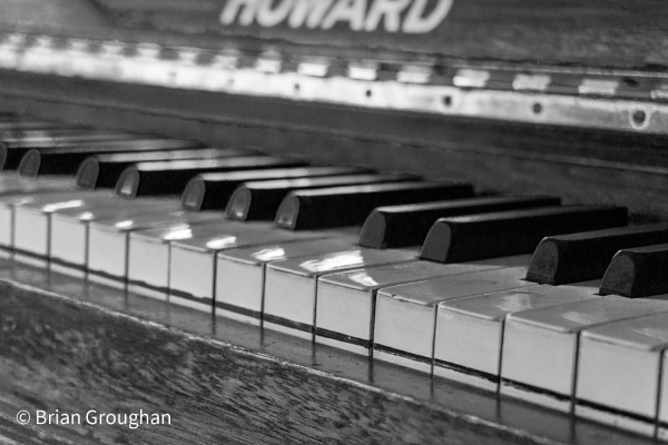 Old Piano by bgrphotographer