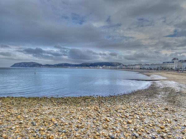 Along The Bay by ianmoorcroft