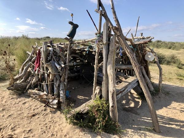 Beach shack by raywalker