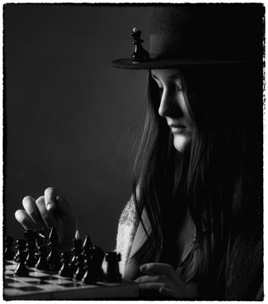 The Queen\'s Gambit by zdumus