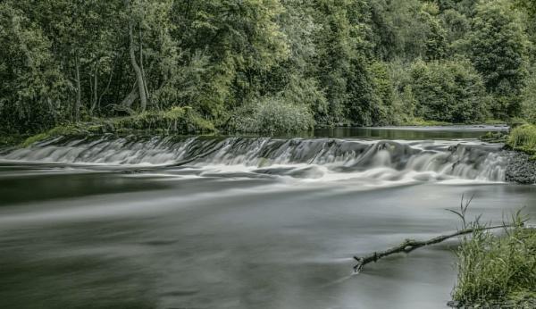 Took the shot at Kelvingrove park Glasgow Scotland. by sidnox