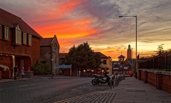 Norwich at sunset by pdunstan_Greymoon