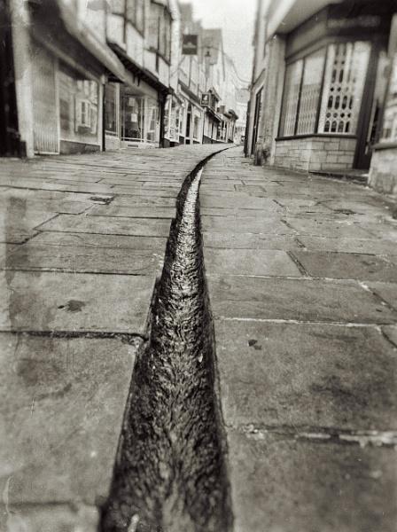 Cheap Street Stream by Minty805