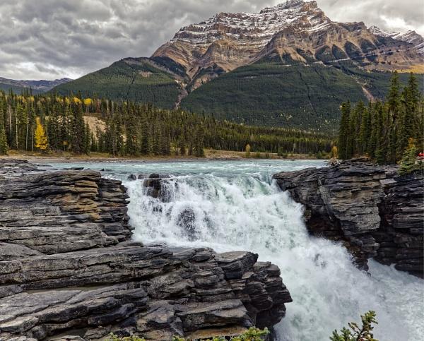 Athabasca Falls by pdunstan_Greymoon