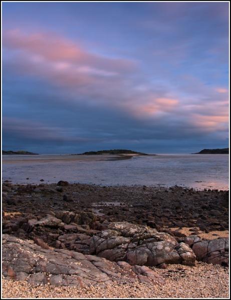 Rough Island , Dusk. by bigsando