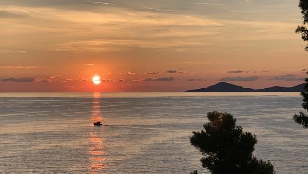 Sunrise on Alonissos by mitchellhatpeg
