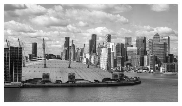 Canary Wharf and the O2 by suemart