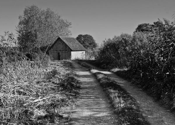 barn around the corner by BelloBaer