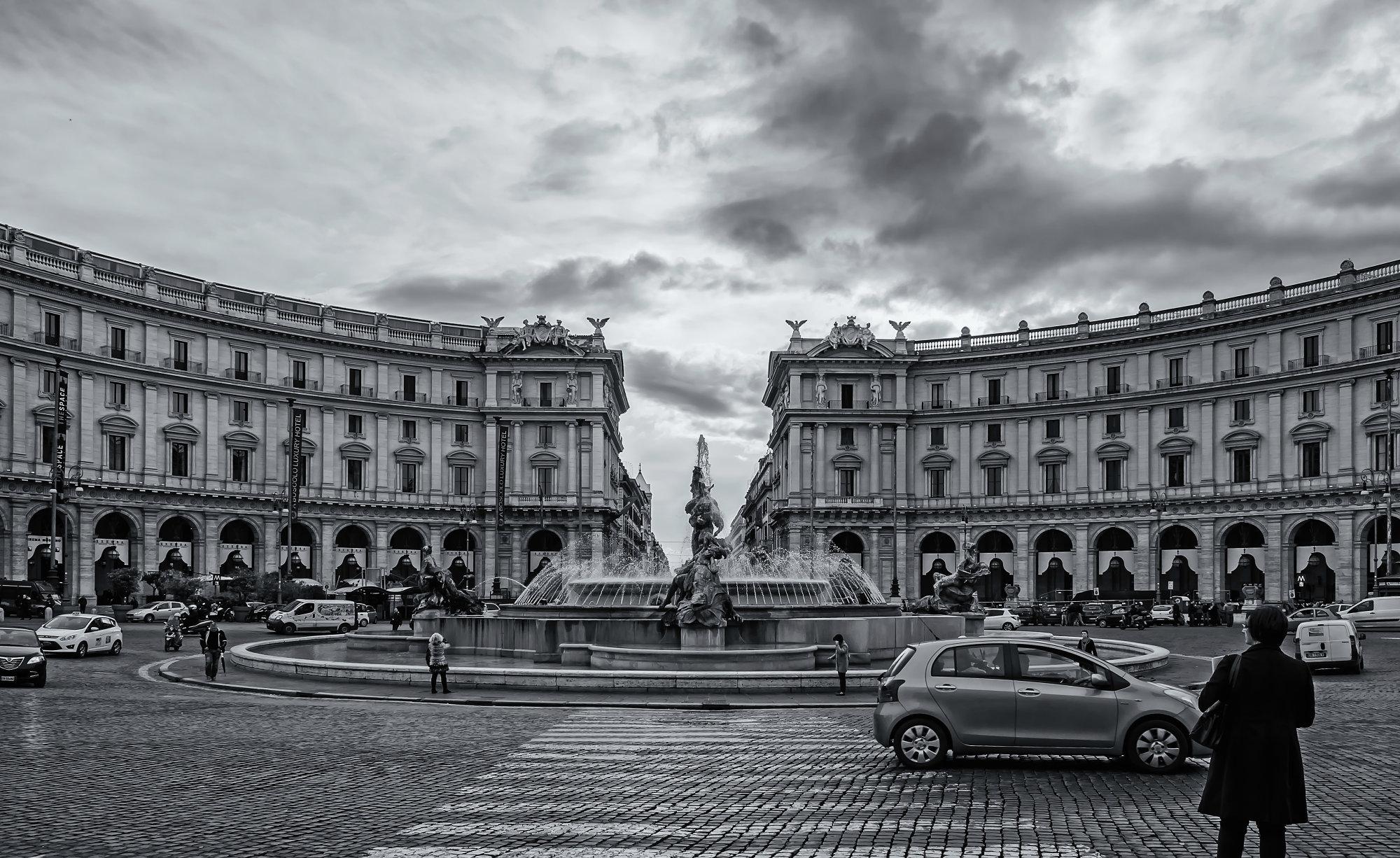 Piazza Republica #2