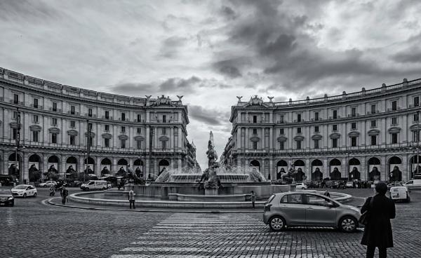 Piazza Republica #2 by Xandru