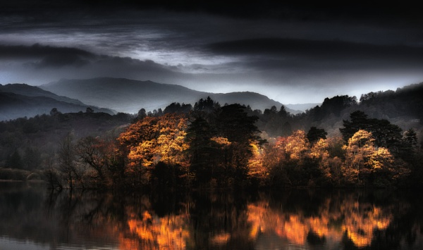 Reflecting Autumn by chris-p