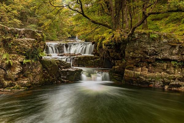 Lower Gushing Falls by nigell