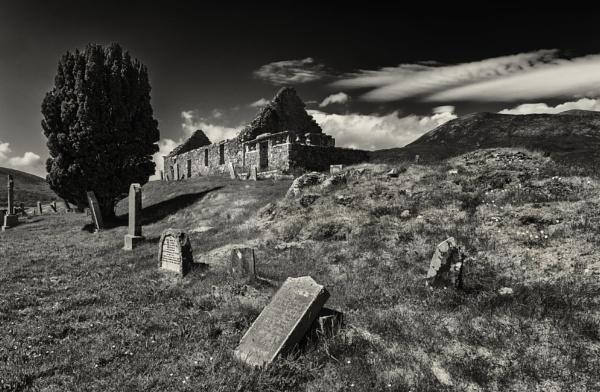 Church of Kilchrist by scrimmy