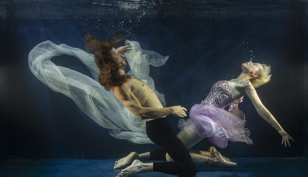 Underwater Ballet by rontear
