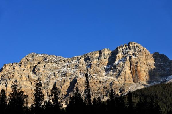 A peak above by waltknox